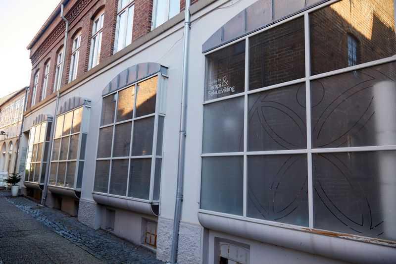facaden af vores center for terapi og selvudvikling i Randers